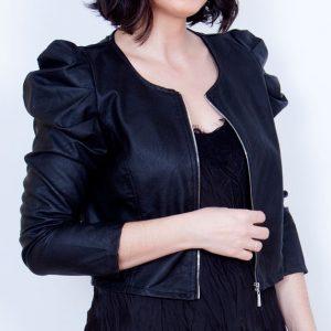 chaqueta negra polipiel
