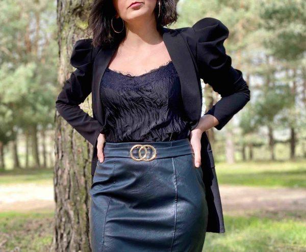 blazer manga abullonada negra
