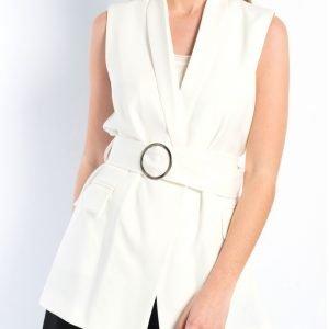 chaleco blanco cinturon