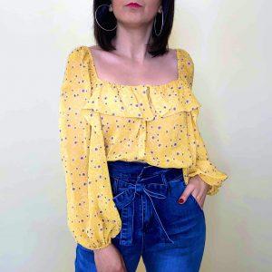 blusa amarilla escote cuadrado