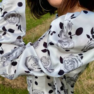 blusa blanca flores