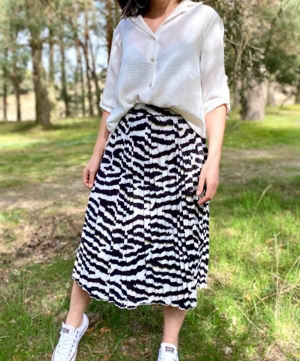 falda plisada animal print