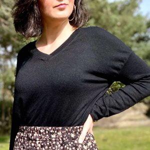 jersey cuello pico basico negro