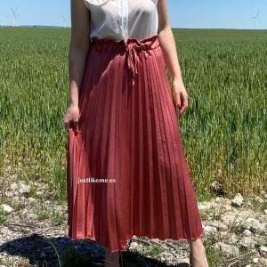 falda plisada satinada coral