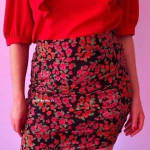 minifalda fruncida estampada negra