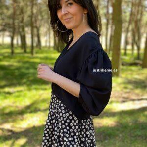 blusa botones nudo negra