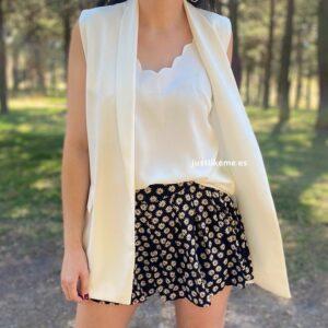 short falda pantalon margaritas